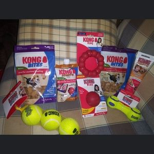 KONG DOG BOX 8 BRAND NEW ITEMS FOR SMALL/MID DOGS